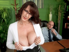 Fucking the big-titted M.I.L.F. who's wearing glasses