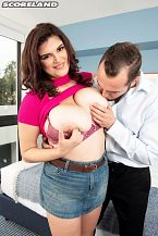 Jenni Noble: Big Boobs Like A Boss
